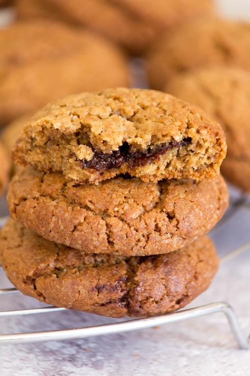 עוגיות במילוי שוקולד