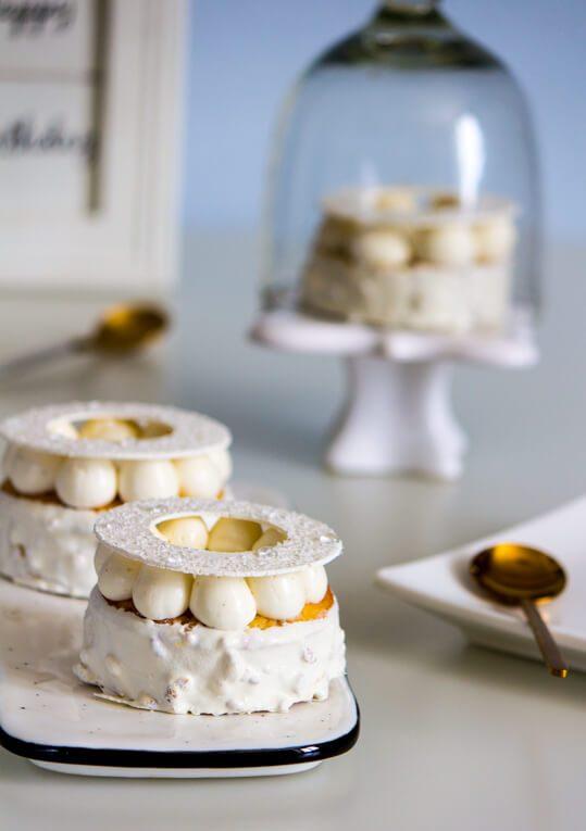 עוגת גבינה בחושה עם קרם ווניל