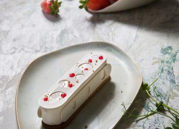עוגת גבינה אישית עם רוטב תותים