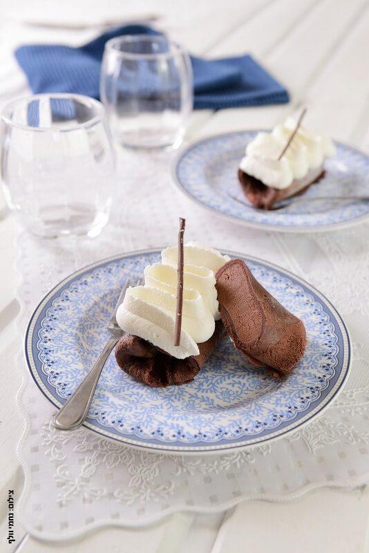 בלינצ'ס שוקולד וקצפת