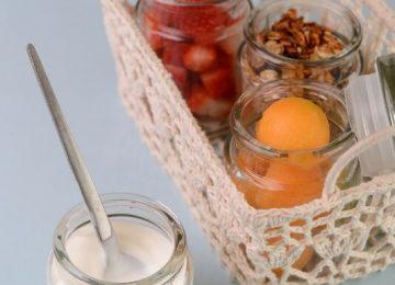 מוזלי גרנולה ופירות