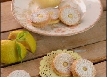 עוגיות חמאה במילוי קרם לימון