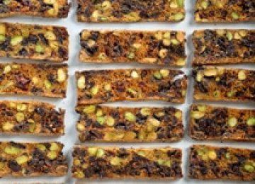 ביסקוטי פיסטוק חמוציות ושוקולד